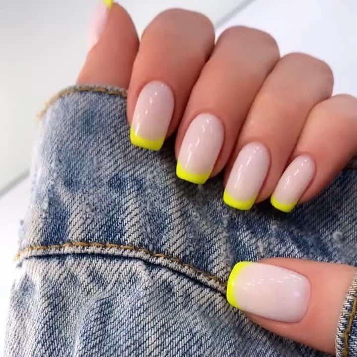 nails 2021 yellow