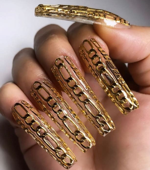 Falsies Everywhere for Nails art Trends 2022