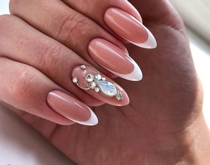 Tiny Detail on French gel nails 2022