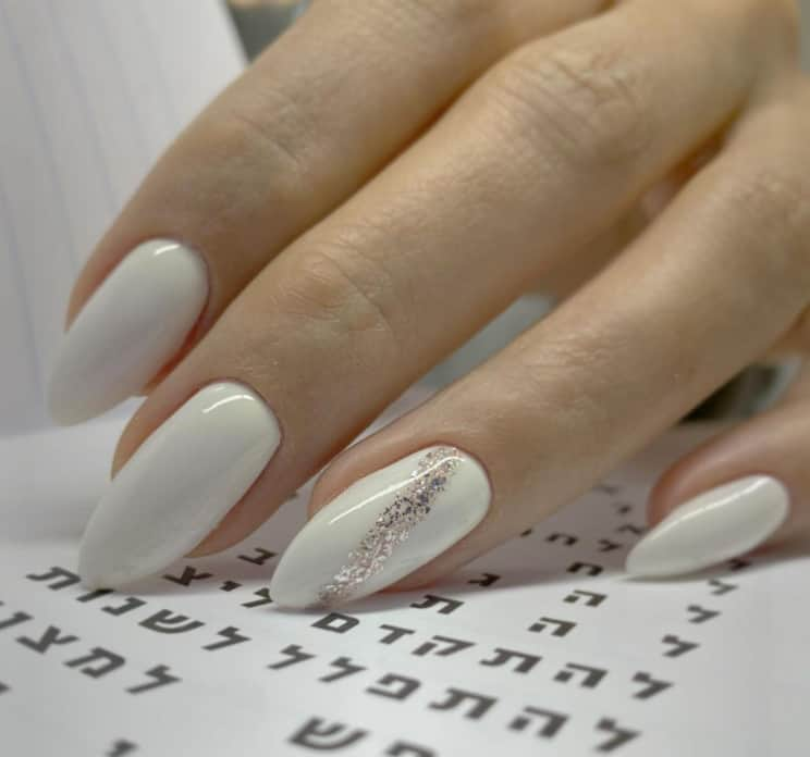 Most Popular and Trendy Winter Nail Polish 2022!