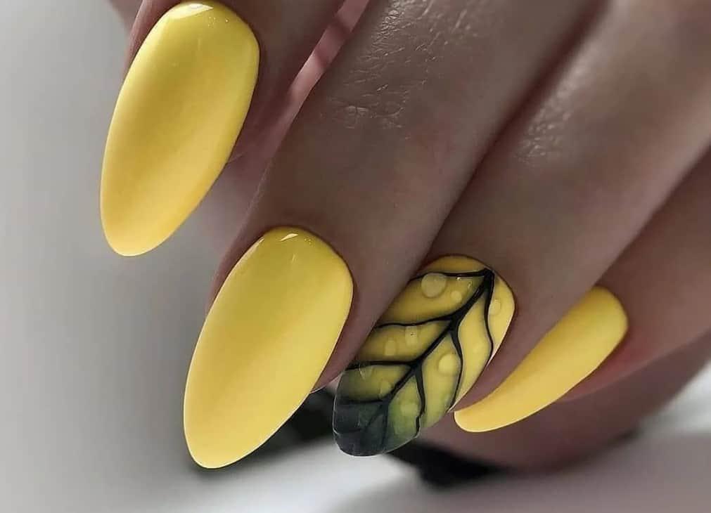 Dusty Yellow. Fall 2022 Nail Colors