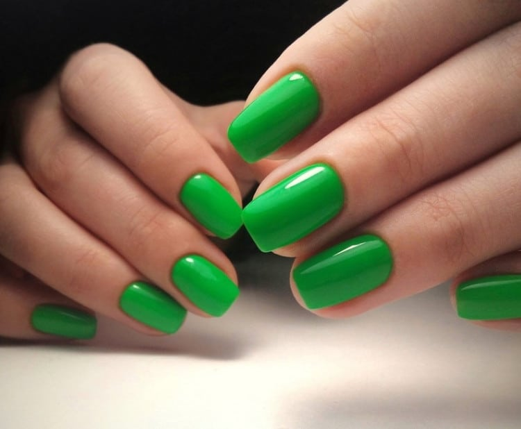 Bouncing Lime for Spring Nails 2022