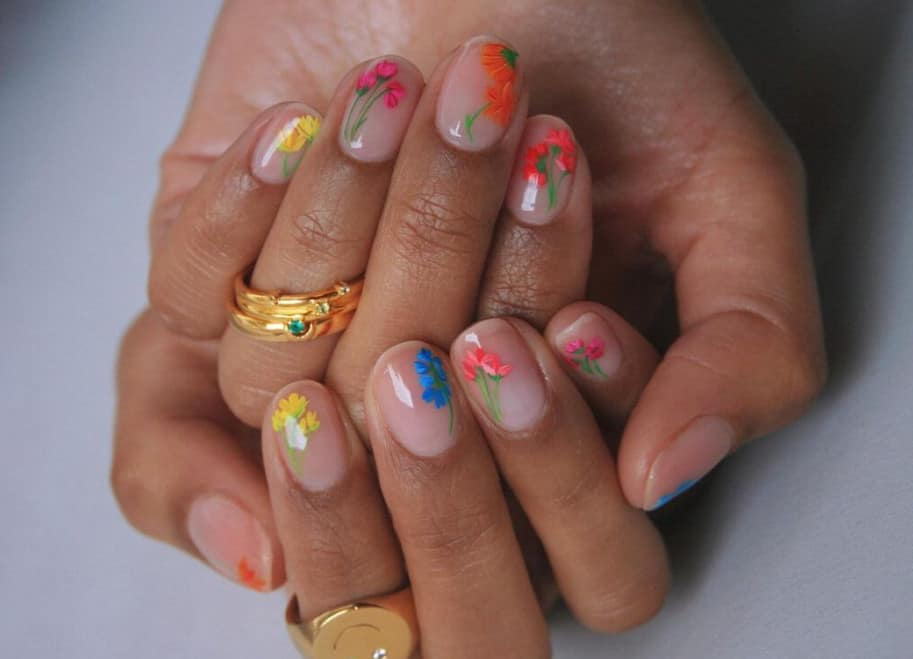 Wild Daisies on Your Nails