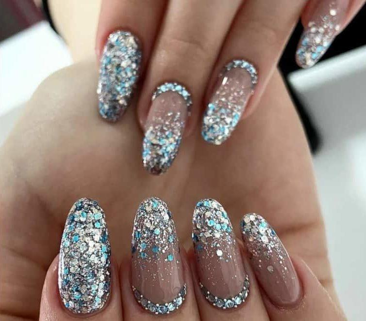 Silver Hues. Winter nails 2022