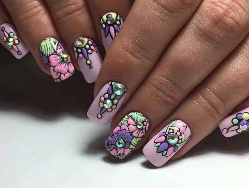 Floral Butterflies with Gold. Fake Nails 2022