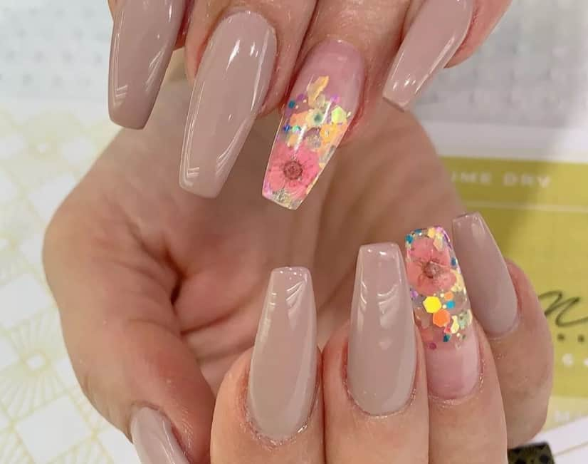 Nude Coffin Nails 2022