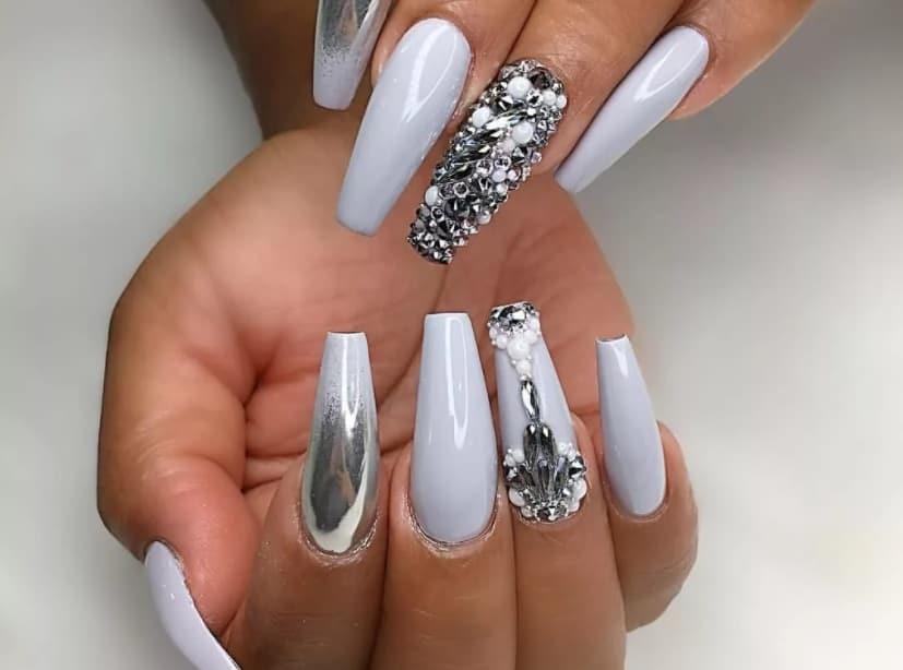 White Summer Nails 2022 Coffin