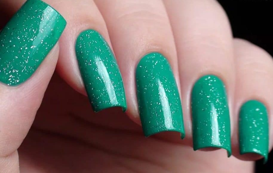 Dusty Green Squared Fake Nails 2022