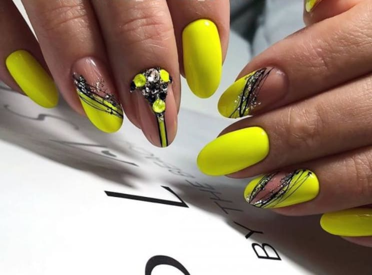 Swirls and Lines on Shellac Nail Designs 2022
