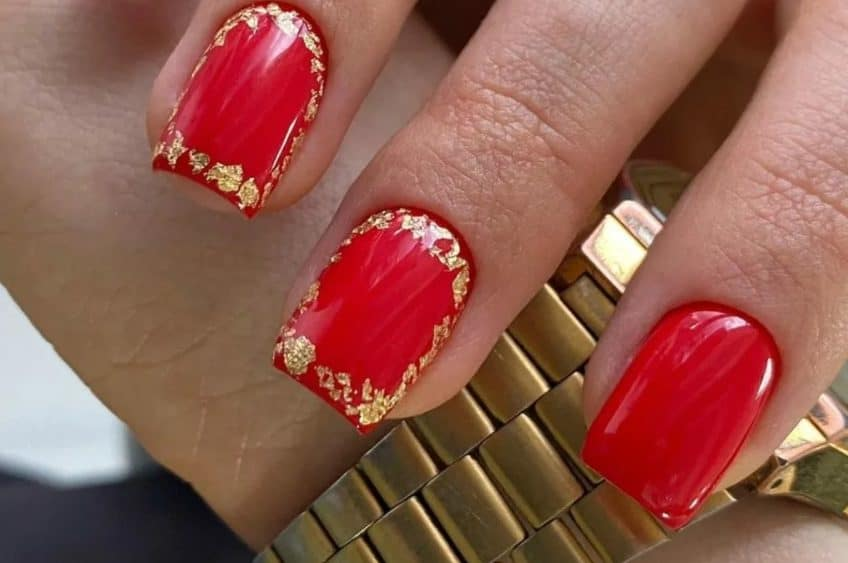 red nails design 2022