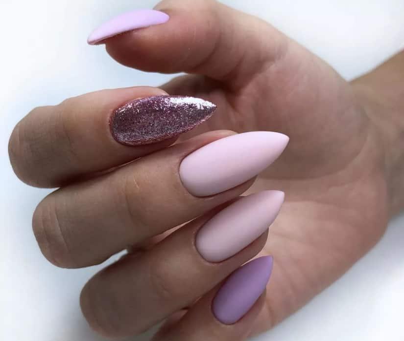 light-pink-nails-2022