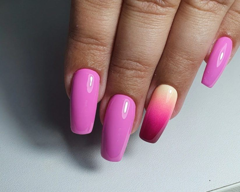 Top 16 Extraordinary Pink Nails 2022 To Show Off